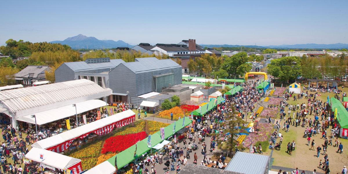 写真:「霧島春祭り」「霧島秋祭り」