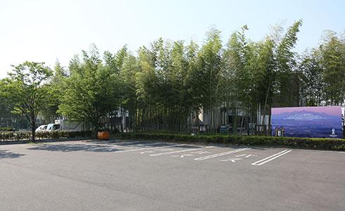 写真:大型バス駐車場1(6台)ショップやレストランに近い駐車場です。